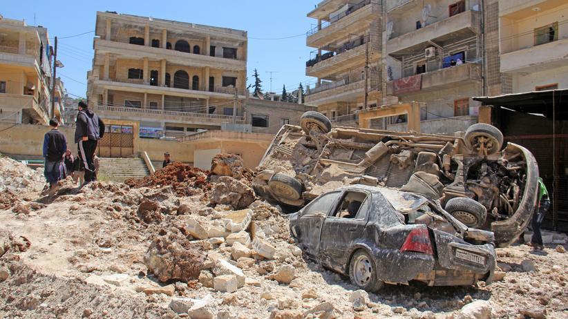Syrien: Ein Straßenzug nach einem Luftangriff im Nordwesten von Syrien