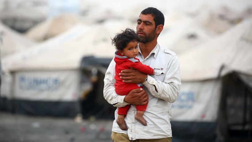 Syrien: Von ihrem Zuhause vertriebene Syrer in einem Camp im Dorf Ain Issa