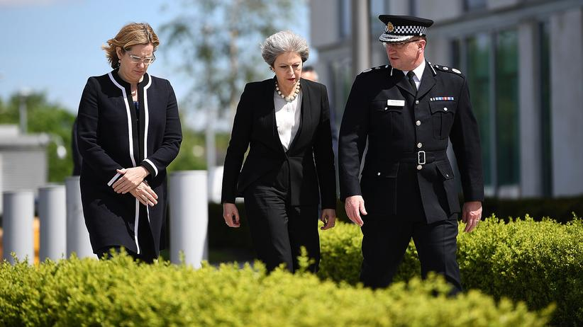 Theresa May: Die Illusion von der starken Führung