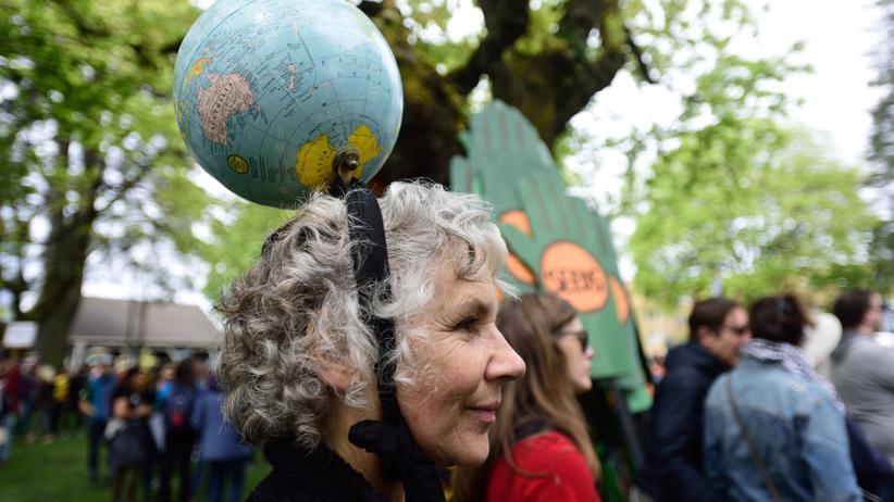 Donald Trump: Eine Demonstrantin beim People's Climate March in Portland im April 2017
