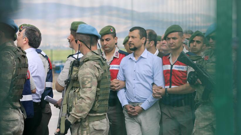 Türkei - Haftbefehle gegen mehr als 260 mutmaßliche Gülen-Anhänger