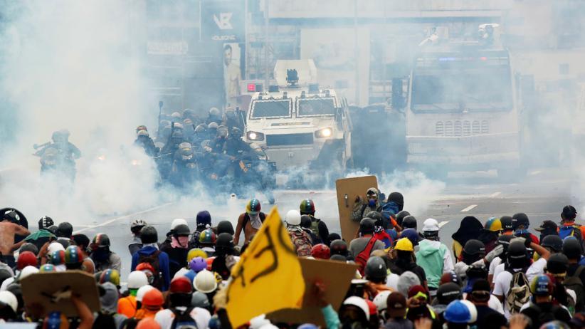 Venezuela: Mittlerweile gibt es fast täglich Straßenschlachten in der venezolanischen Hauptstadt Caracas.