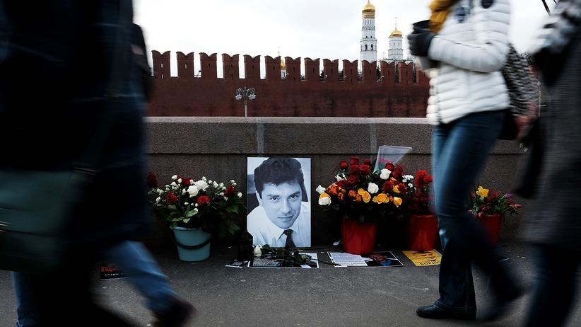 Moskau: Oppositionelle trauern in Moskau um Boris Nemzow, einen der prominentesten Gegner des russischen Präsidenten Wladimir Putin