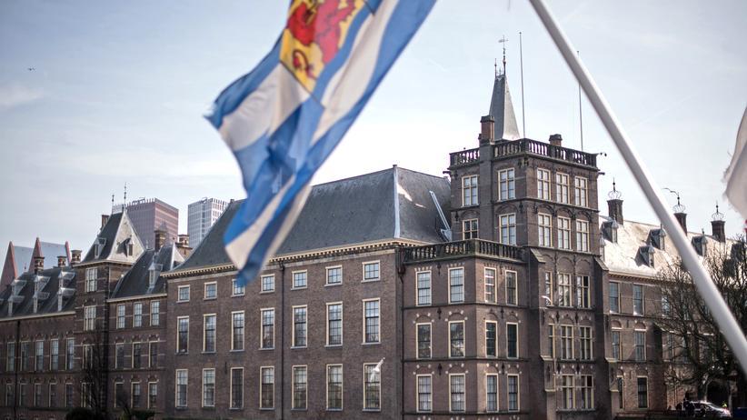 Niederlande: Blick auf das niederländische Parlament
