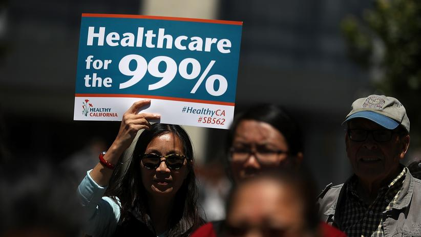 USA: Aktivisten demonstrieren in San Francisco gegen die Gesundheitsreform von Donald Trump (Bild vom 21. Juni)
