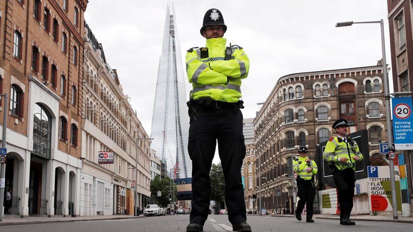 Großbritannien: Nach den Anschlägen von London und Manchester hat die britische Polizei, hier am Borough Market in London, erneut Verdächtige festgenommen.