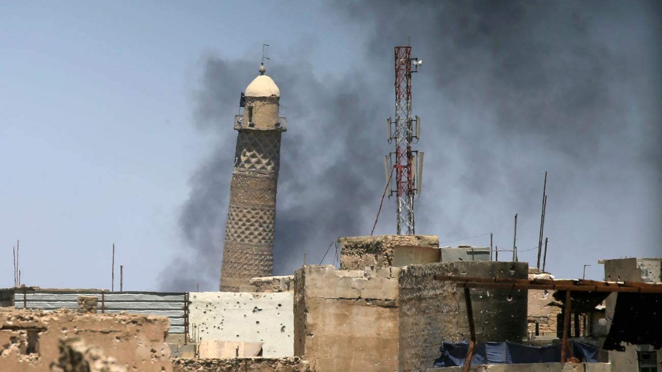IS zerstört jahrhundertealte Moschee in Mossul