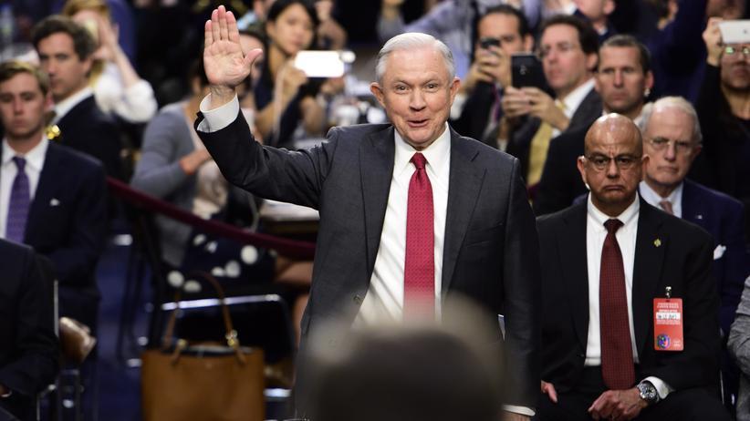Justizminister Jeff Sessions während der Anhörung