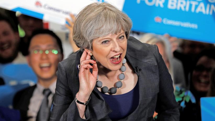 Theresa May: Der Wahlkampf droht ihr zu entgleiten