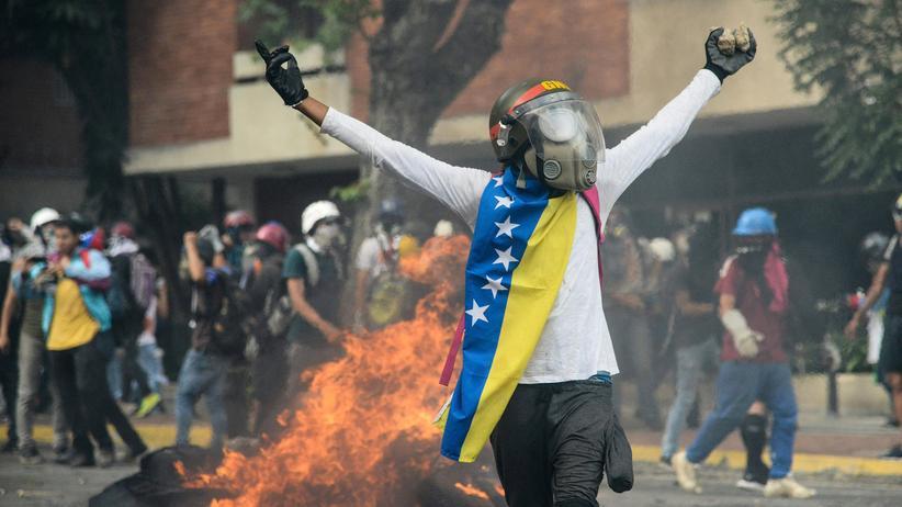 Venezuela: Maduro kündigt Verfassungsreferendum an