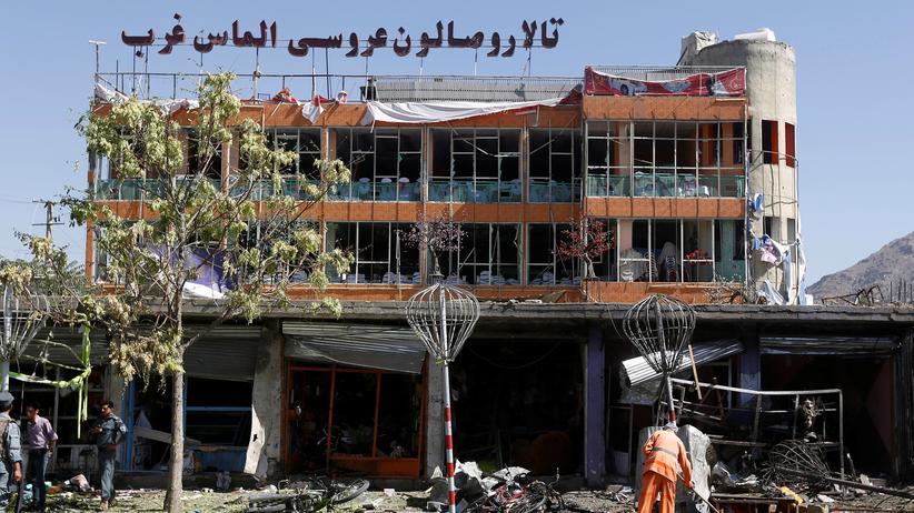 Afghanistan: Ein zerstörtes Gebäude nach dem Selbstmordattentat in Kabul, Afghanistan