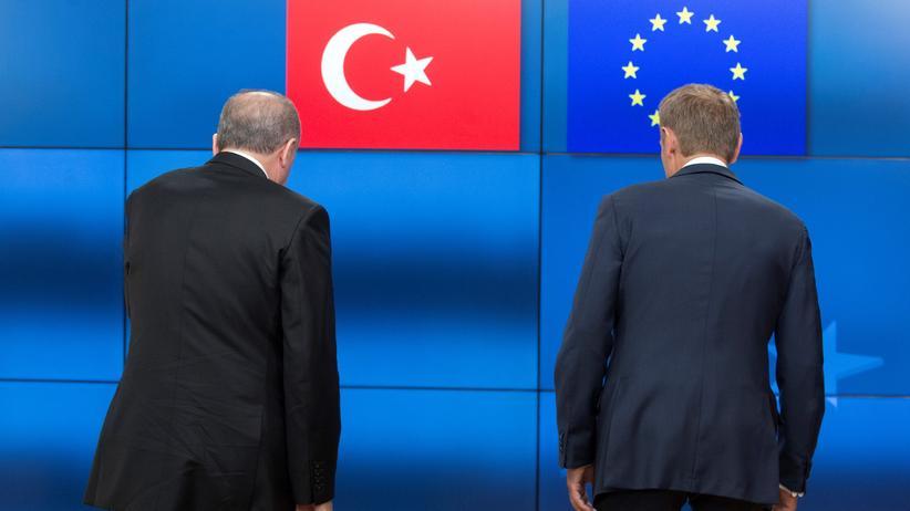 EU-Türkei-Beziehungen: Der türkische Präsident Recep Tayyip Erdoğan mit EU-Ratspräsident Donald Tusk