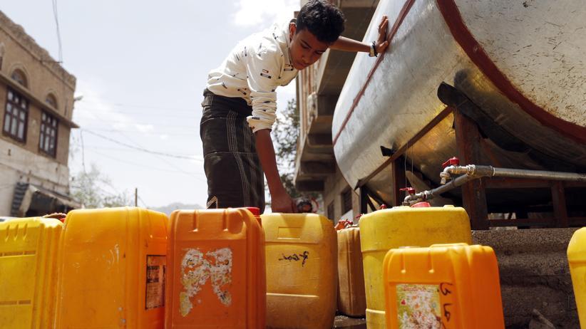 Jemen: Cholera wird vor allem durch Bakterien in verseuchtem Trinkwasser verbreitet.