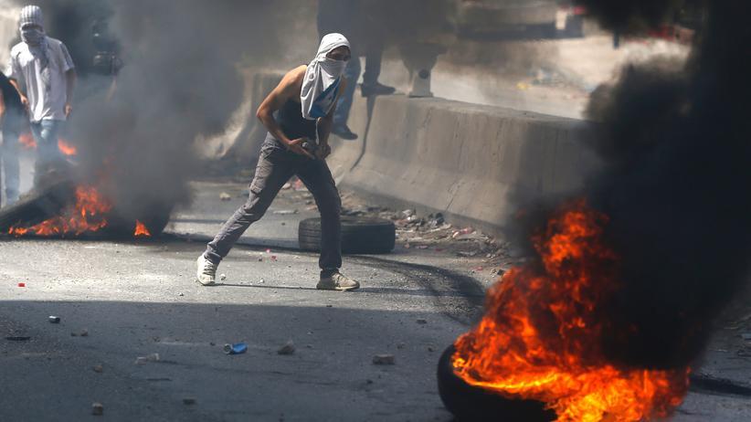 Israel: Auch am Qalandiya-Checkpoint zwischen Ramallah und Jerusalem, im Westjordanland kam es zu Zusammenstößen zwischen Palästinensern und israelischen Sicherheitskräften.