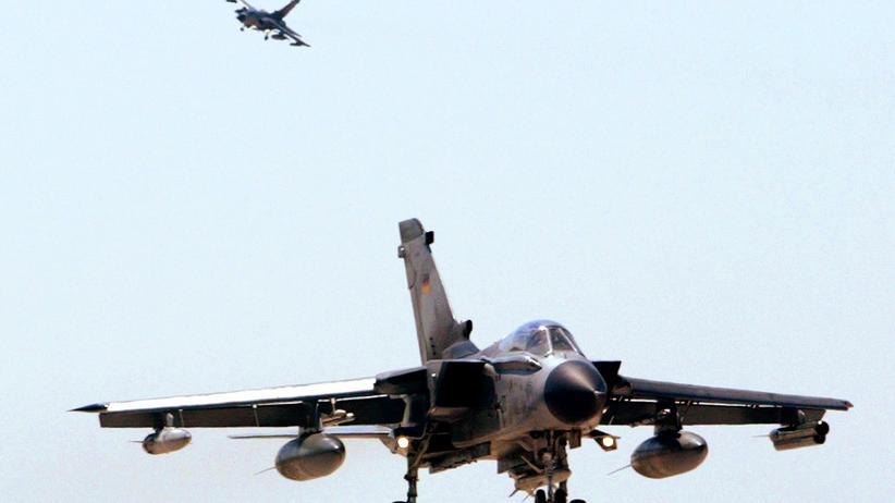 Bundeswehr: Ein Tornado-Aufklärungsflugzeug im Anflug auf den Nato-Stützpunkt in Konya, Türkei. (Archivbild)