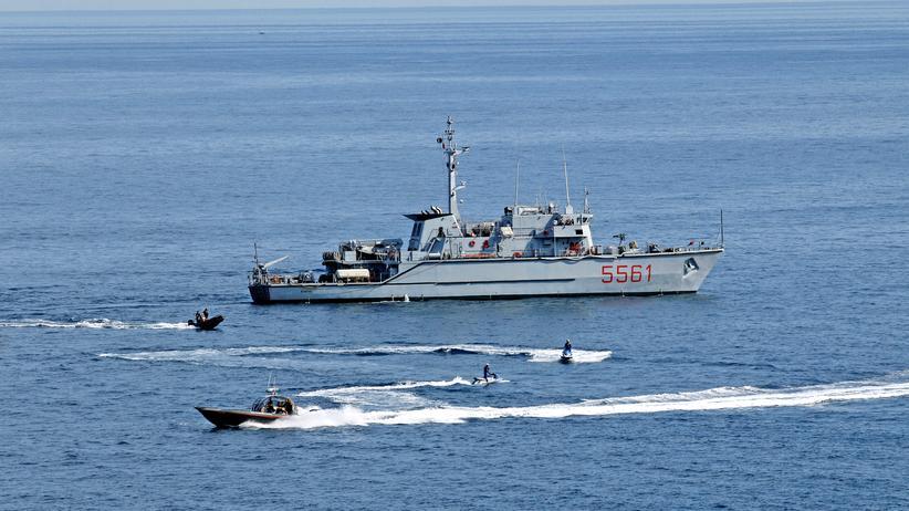 Mittelmeer: Italien schickt Marine an Libyens Küste