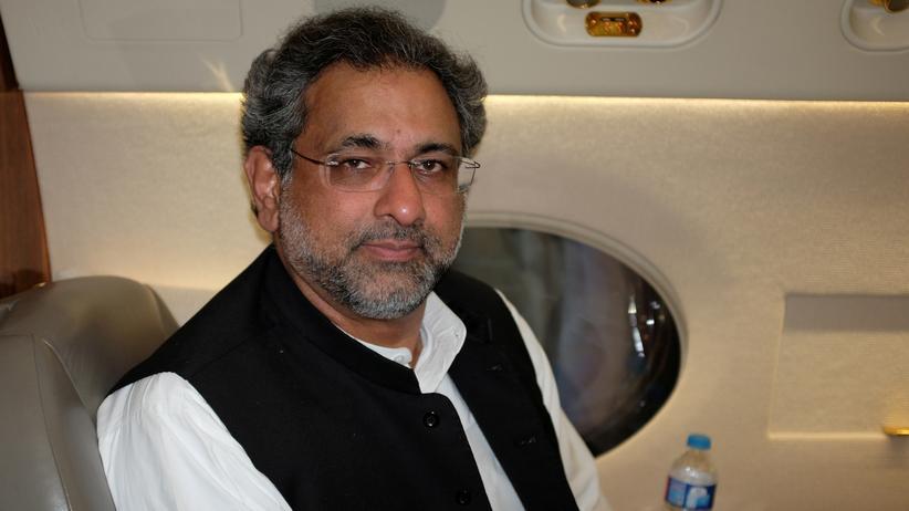 Pakistan: Ex-Ölminister Abbasi wird Übergangsregierungschef