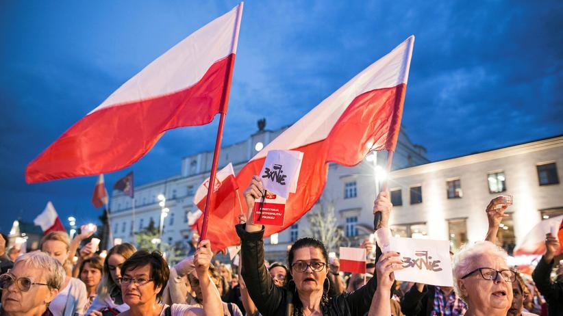 Polen: So wie hier in Lublin gab es am Sonntag in ganz Polen Demonstrationen gegen die Justizpläne der Regierung.