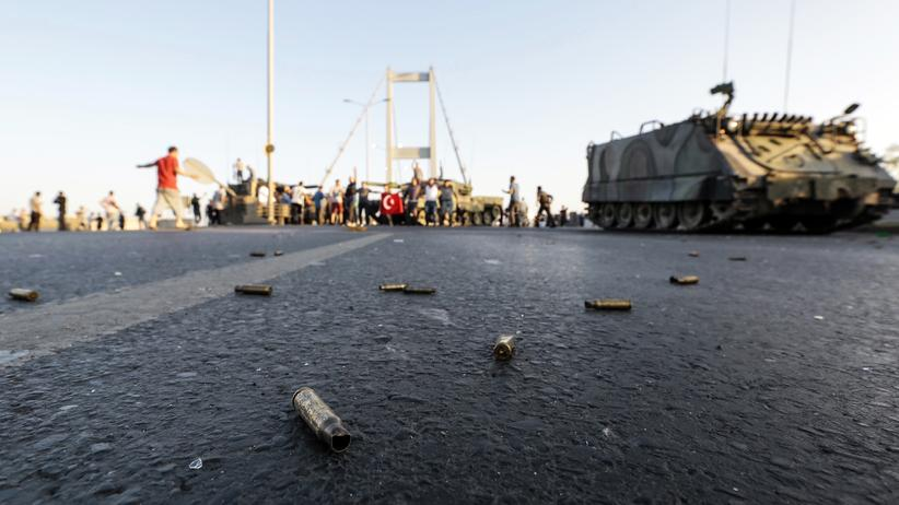 Turkish coup d'état attempt: The Bosporus bridge on July, 16th