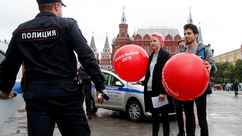 Russland: Anhänger des russischen Oppositionellen Alexej Nawalny in Moskau