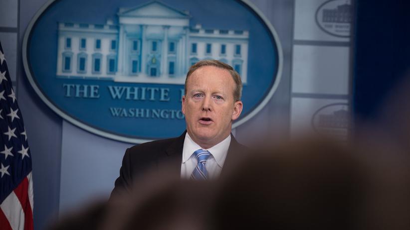 Sean Spicer: Trumps Sprecher tritt zurück