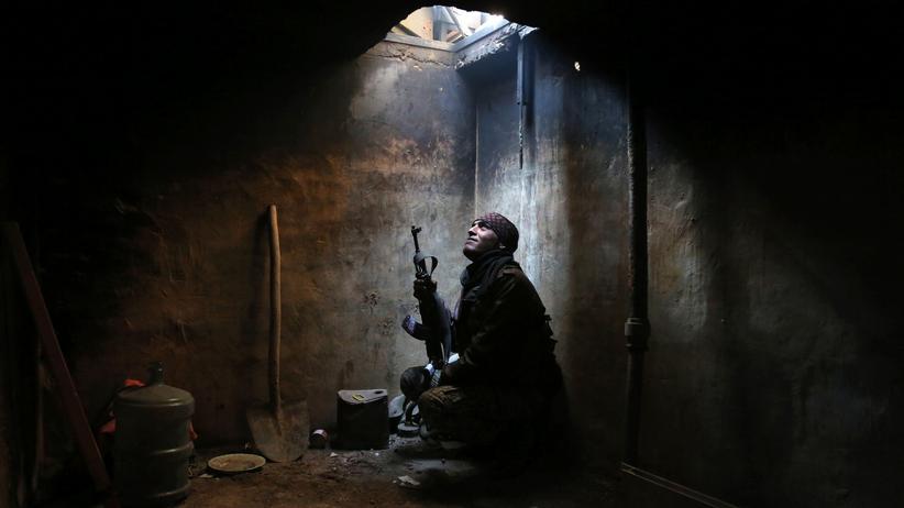 Syrien: Rebellenkämpfer in einem Vorortgebiet von Damaskus (Archiv)