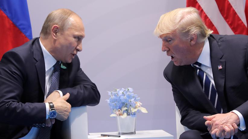 """Cyberattacken: """"Katastrophal"""" sei das erste Treffen zwischen Trump und Putin für die USA ausgefallen, befand der republikanische Senator Lindsey Graham."""