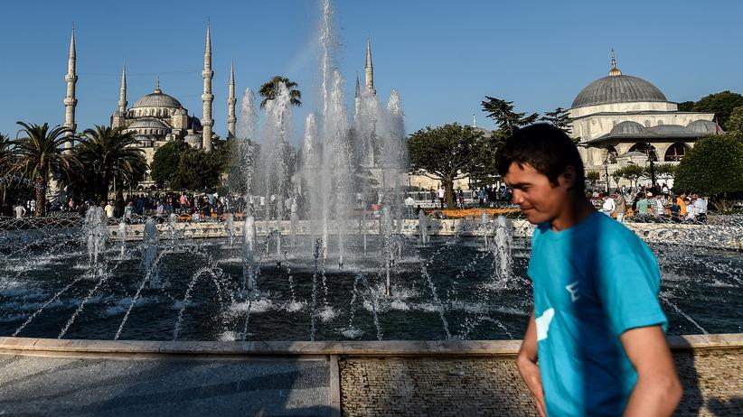 Deutsch-türkische Beziehungen: Regierung in Ankara wirft Gabriel Türkenfeindlichkeit vor