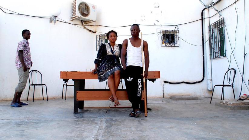 """Migranten in Tunesien: Bewohner im Aufnahmezentrum """"Le Foyer"""" in Medenine"""