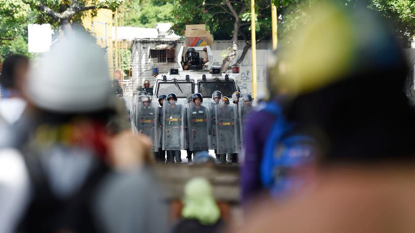Mindestens sechs Tote bei Anti-Maduro-Protesten in Venezuela