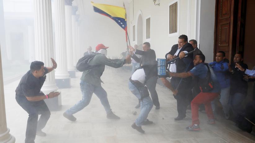 Venezuela: Szenen aus dem venezolanischen Parlament