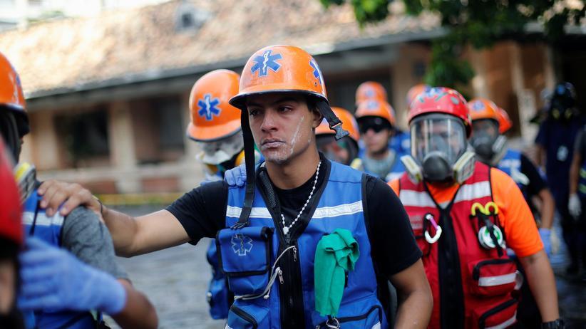 Venezuela: Freiwillige haben medizinische Notfallteams gebildet, die Menschen helfen, die bei den Protesten verletzt wurden.