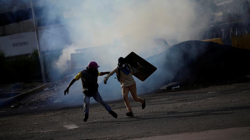 Venezuela: US-Diplomatenfamilien sollen Caracas verlassen
