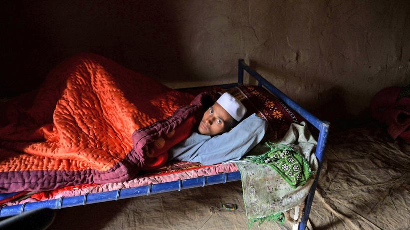 Afghanistan: Ein Afghane in einem Flüchtlingscamp