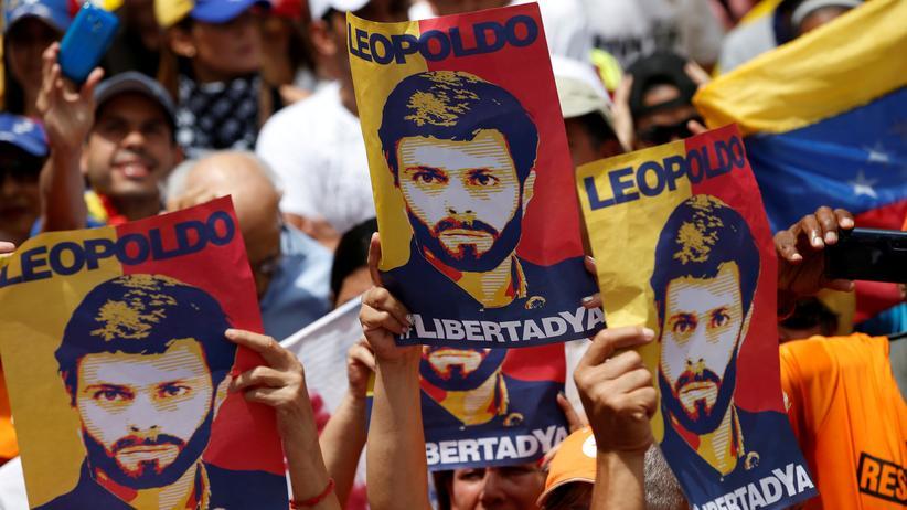 Venezuela: Aktivisten in Venezuela demonstrieren für die Freilassung des Oppositionspolitikers Leopoldo López.