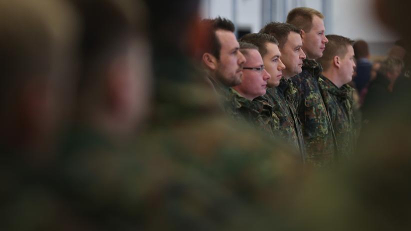 Bundestagswahlkampf: Bundeswehrsoldaten auf dem Fliegerhorst in Jagel, Schleswig-Holstein