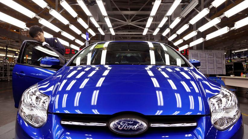 Dieselskandal: Ergebnisse von Abgastests ließen Rückschlüsse zu, dass beim Ford Mondeo womöglich eine illegale Technik benutzt worden ist.