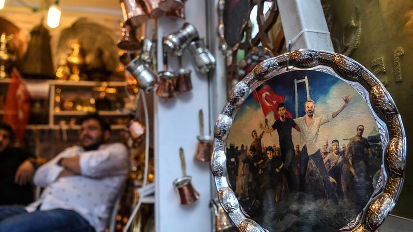 Recep Tayyip Erdoğan: Türkei tauscht Militärführung aus