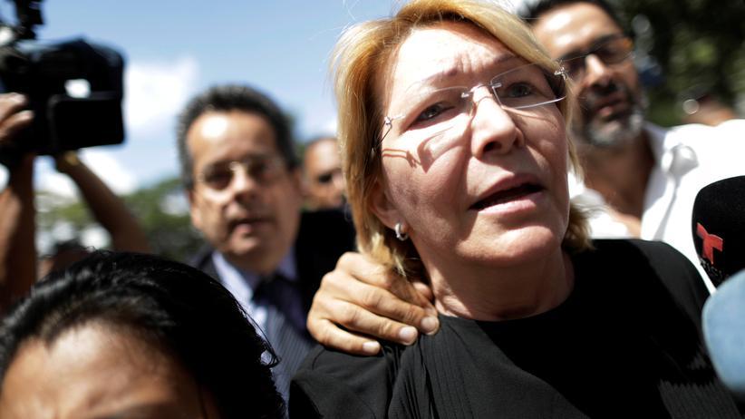 Die ehemalige Generalstaatsanwältin Luisa Ortega hat Venezuela verlassen.