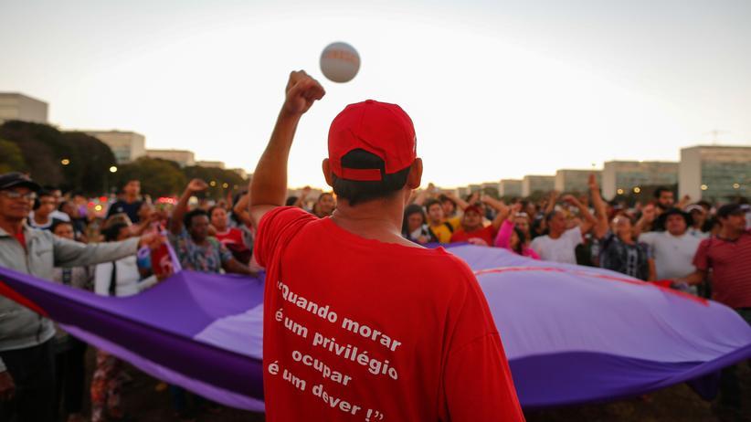 Michel Temer: Demonstranten fordern die Absetzung von Brasiliens Staatschef Michel Temer