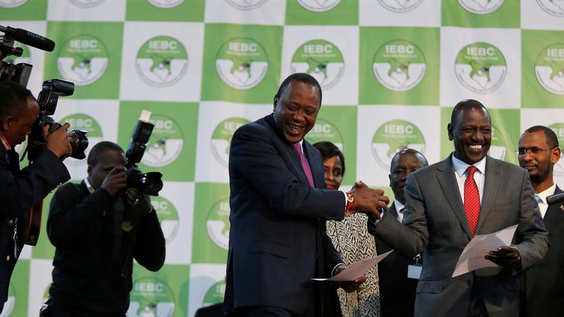 Präsidentschaftswahl : Der Staatschef Uhuru Kenyatta nach seinem Sieg bei der Präsidentschaftswahl in Nairobi, Kenia