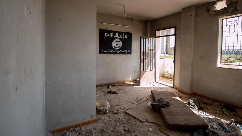 """UN-Bericht: Eine Flagge des """"Islamischen Staates"""""""