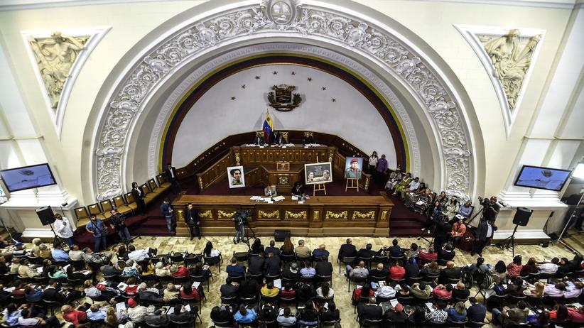 Venezuela: Die verfassunggebende Versammlung übernimmt die Kontrolle.