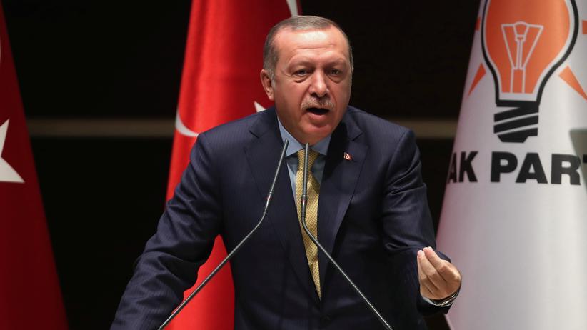 Türkei: Erdoğan rückt Merkel und Schulz in die Nähe von Nazis