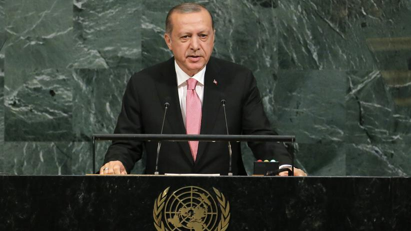 EU-Türkei-Abkommen: Turkish President Recep Tayyip Erdogan addresses the 72nd United Nations General Assembly at U.N. headquarters in New York, U.S., September 19, 2017. REUTERS/Lucas Jackson
