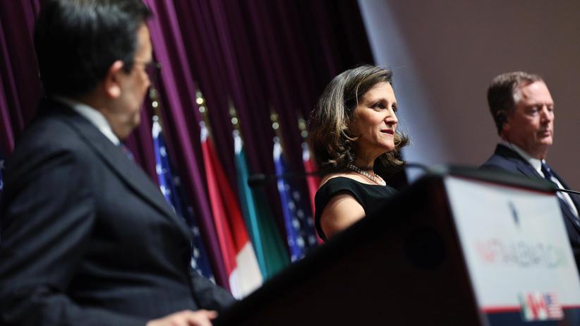 Handelsabkommen: US-Handelsbeauftragter Robert Lighthizer (r.), die kanadische Außenministerin Chrystia Freeland und der mexikanische Wirtschaftsminister Ildefonso Guajardo berichten von der dritten Nafta-Verhandlungsrunde.