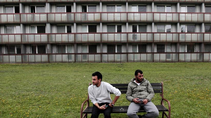 Europäischer Gerichtshof: Syrische Flüchtlinge vor einer Aufnahmeeinrichtung in der Slowakei