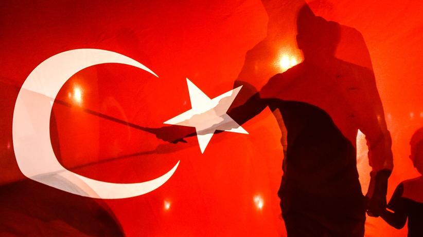 Türkischer Geheimdienst: Demonstrant, Reporter – und Agent?