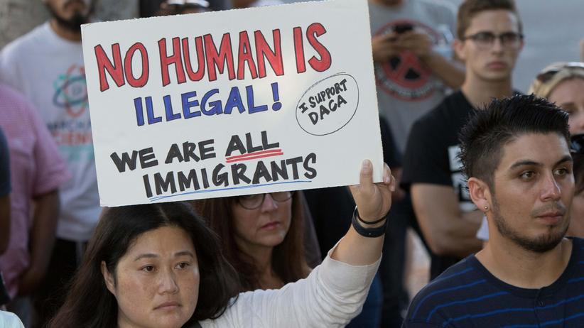 Migration: Demonstration von Menschen, die gegen die Einwanderungspolitik Donald Trumps in den USA protestieren.