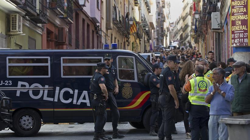 Katalonien: Beamte der spanischen Nationalpolizei in Barcelona